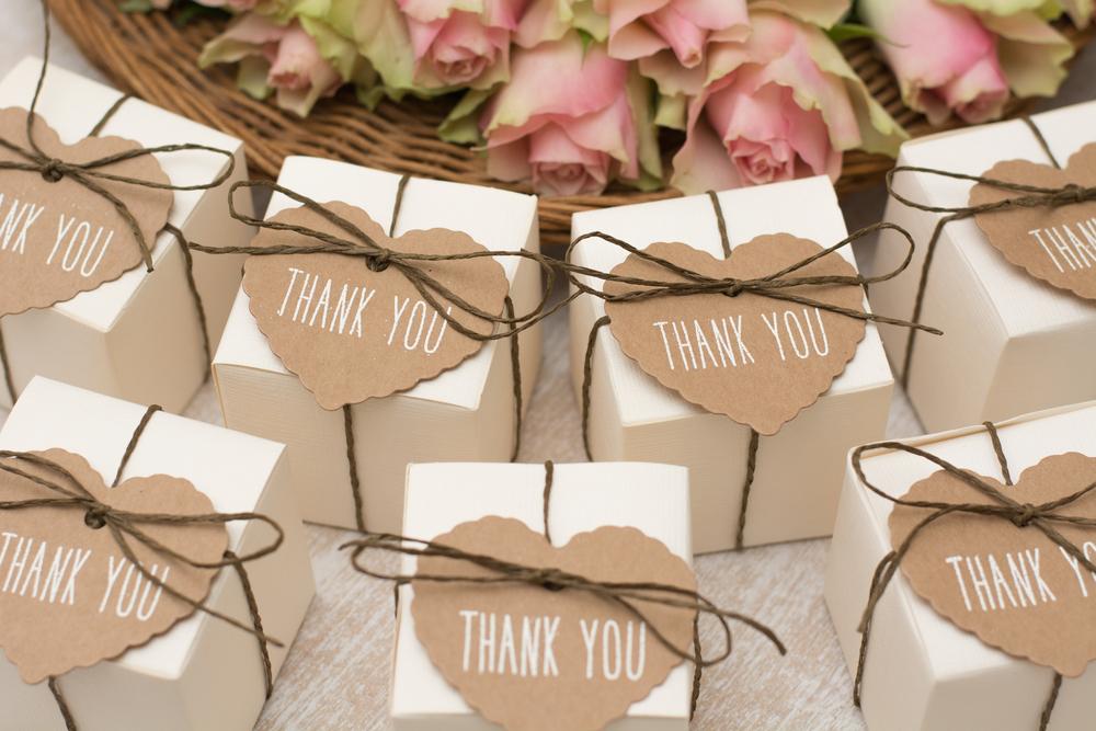 婚礼引き出物の贈呈方式