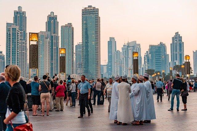 アラブ人とドバイの風景